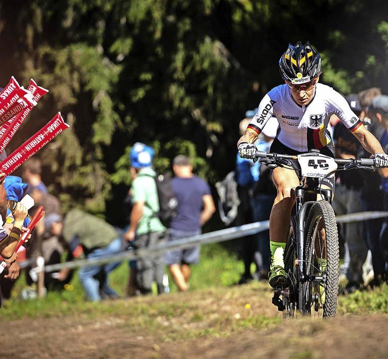 Nur kurz rollte Adelheid Morath bei de...gab das Rennen mit lädiertem Bike auf.  | Foto: thomas weschta
