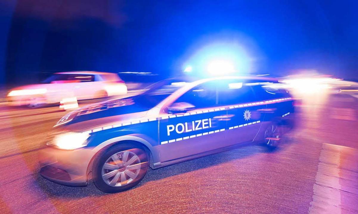 Die Polizei hat in Opfingen einen 18-J...n Erscheinung getreten ist. Symbolbild  | Foto: dpa