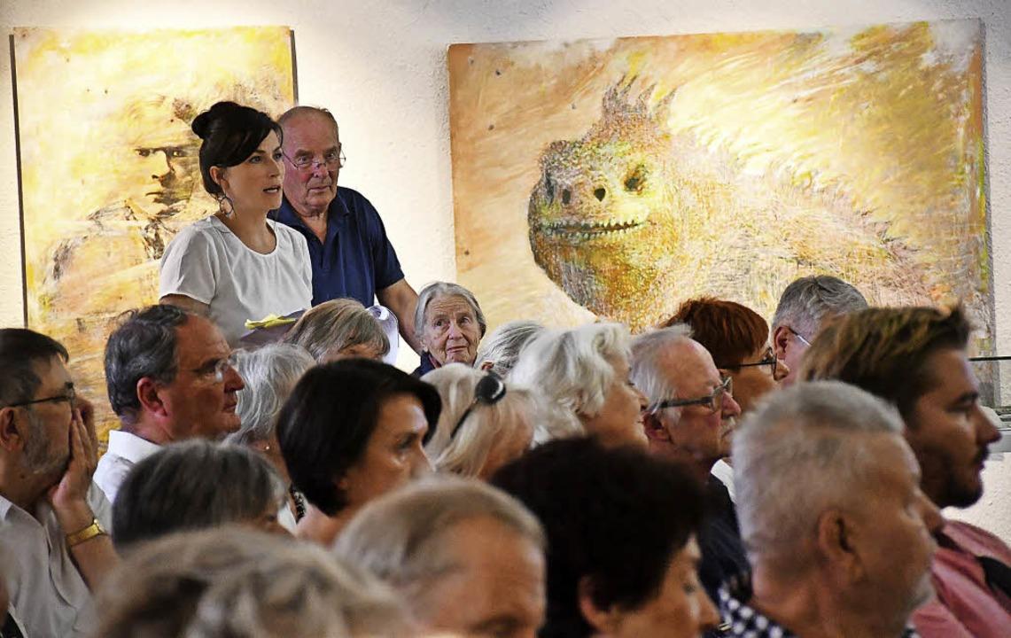 Sabrina Lössl bei der szenischen Lesun... ausgewählten Gedichten Gerta Hallers   | Foto: Barbara Ruda