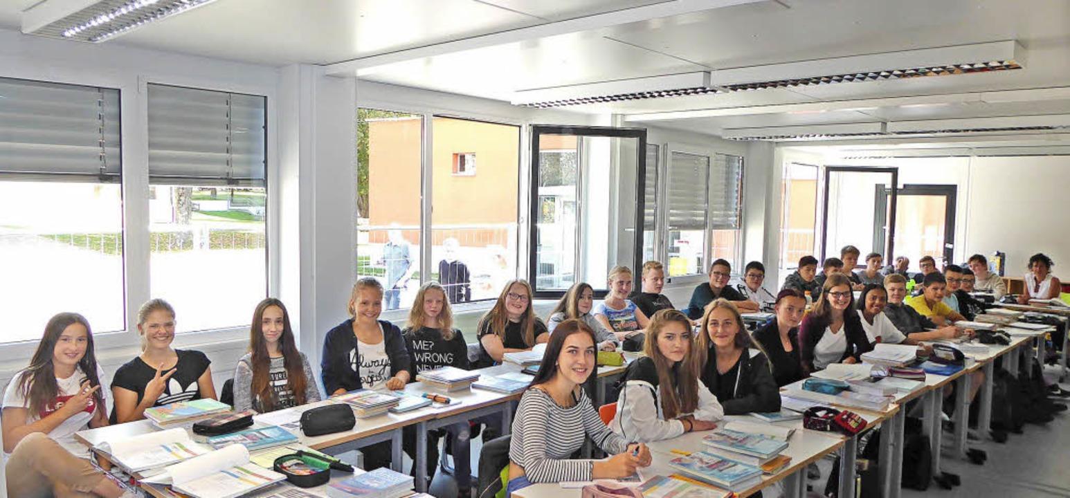 Gutgelaunt: 9b der Werkrealschule in ihrem Klassenzimmer   | Foto: Peter Stellmach