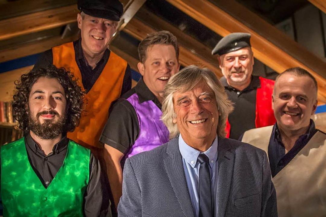Mike Vernon (vorne, Mitte) und seine Mighty Combo  | Foto: Per Ole Hagen