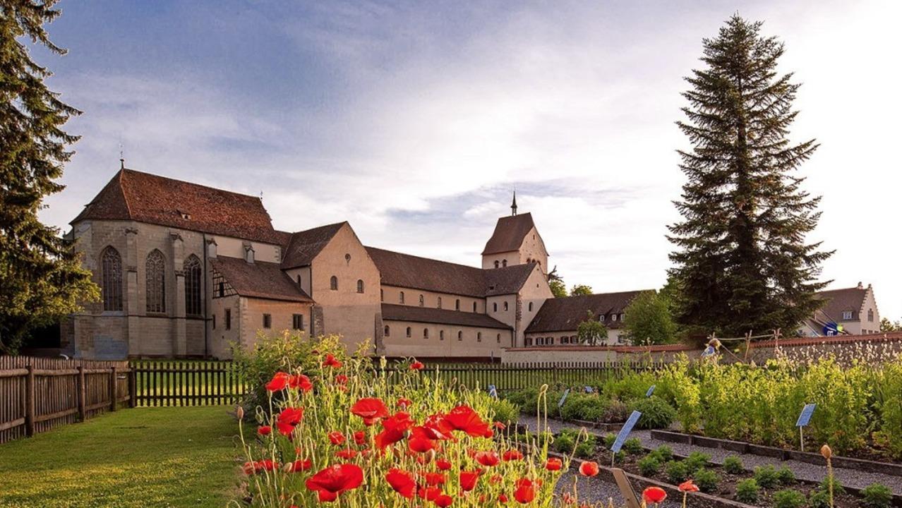 Herzstück der Klosterinsel Reichenau: das Münster St. Maria und Markus   | Foto: Helmuth Scham (Verkehrsverein Reichenau e. V.)