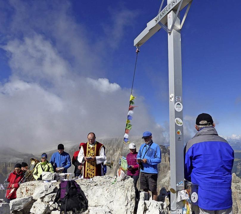 Auf der Pisciadu-Spitze in den Dolomit...m Jubiläum ein Gottesdienst gefeiert.   | Foto: Alfons Vögele