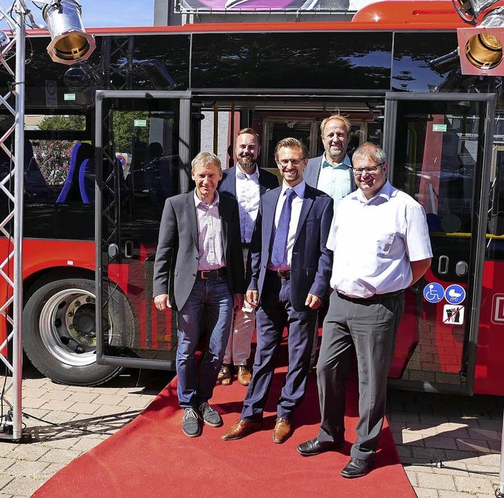 Vom roten Teppich des Gloria-Theaters ...erle, Klaus Albiez und Alexander Guhl   | Foto: Axel Kremp