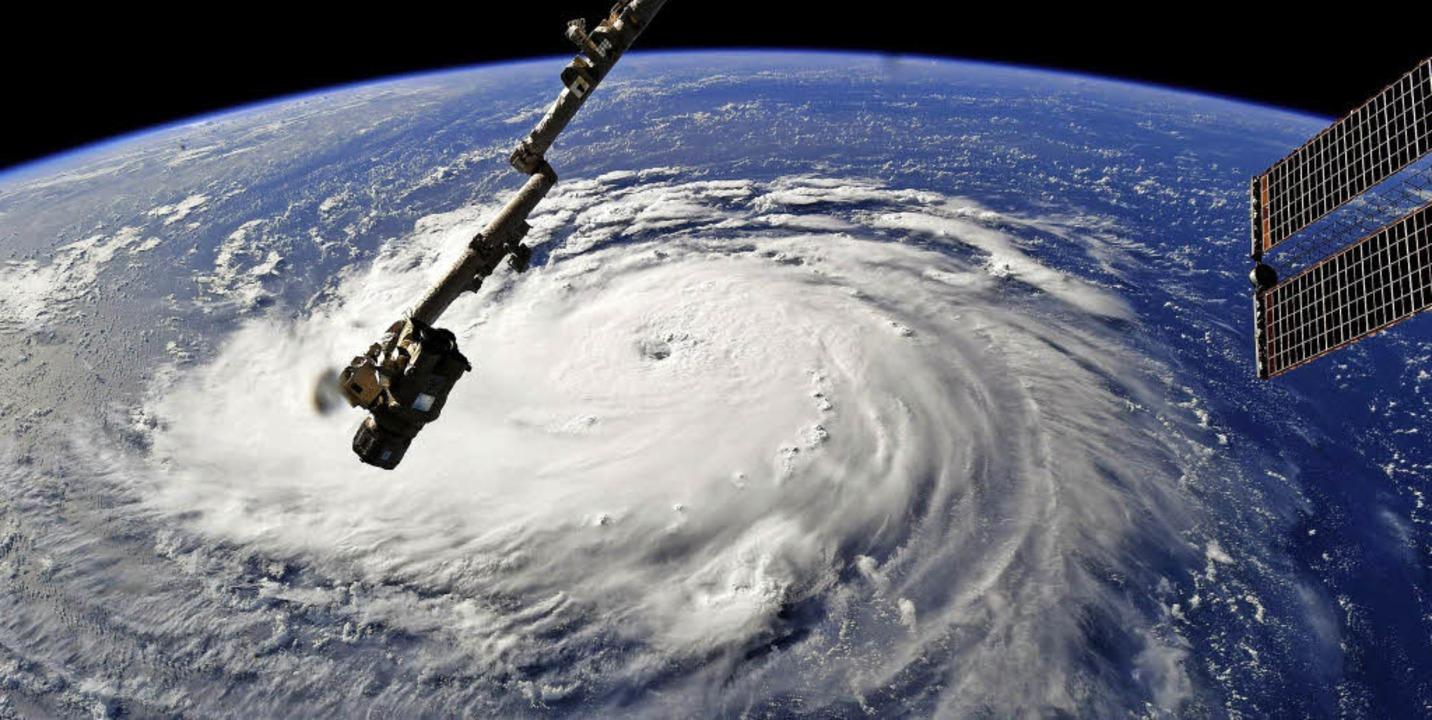 Hurrikan Florence am Montag – in...nnerstag soll er die Küste erreichen.   | Foto: RICKY ARNOLD (Nasa – AFP)