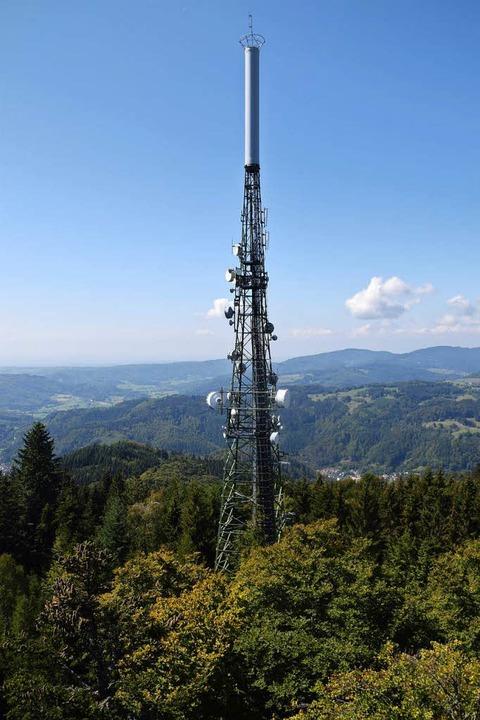 Der Sendemast  überragt den Aussichtsturm um 37 Meter.  | Foto: Stefan Ammann