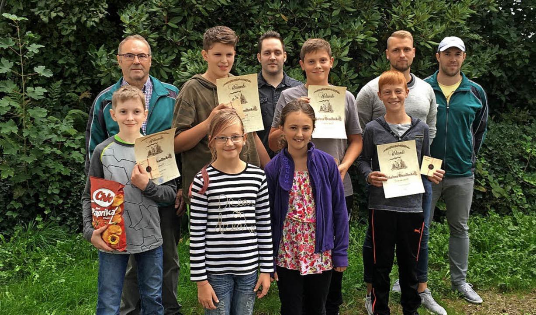 Urkunden und kleine Präsente gab es fü...igen Ferienspielaktion in Simonswald.   | Foto: Schützengesellschaft