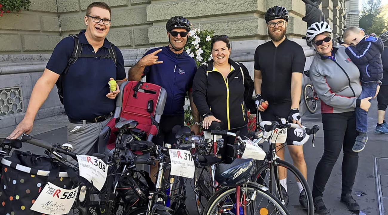 Jörg Corsten (links) und seine Teamgef...ei dem sie 150 Kilometer bewältigten.   | Foto: Corsten
