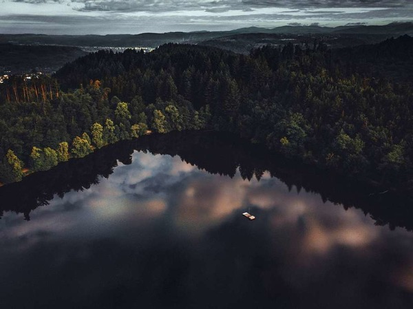 Bergsee Wolkenreflexion (Bad Säckingen)
