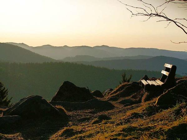 Auszeit genießen beim Sonnenaufgang auf dem Hochblauen