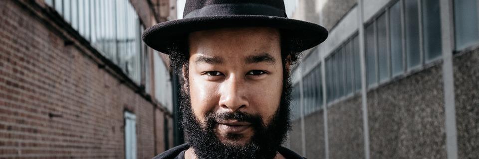 Der Soul-Sänger Teddy Smith tritt beim Jazzkongress auf