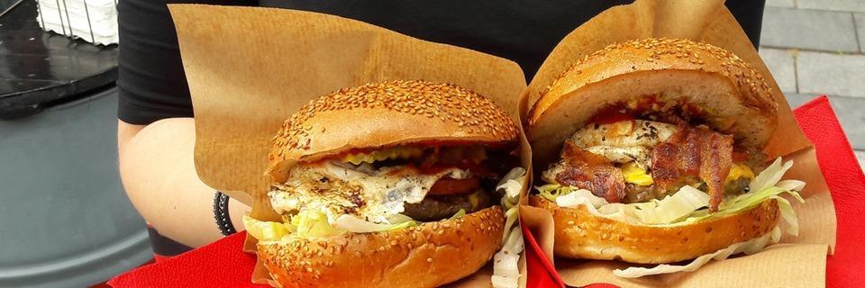 Beim BZ Food Truck Fest kann man Leckeres vom Grill und aus der Pfanne genießen