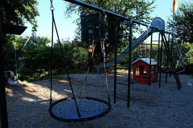 Amt und Anwohner gehen gegen privaten Spielplatz in Eschbach vor