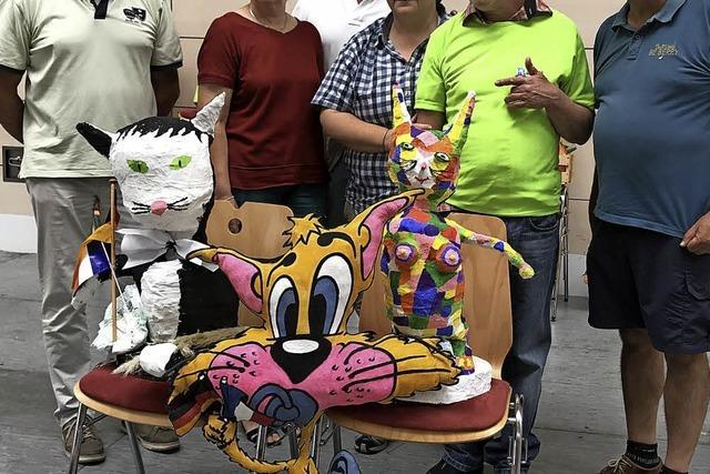 Gäste entführen die Sieger-Katze nach Mehun