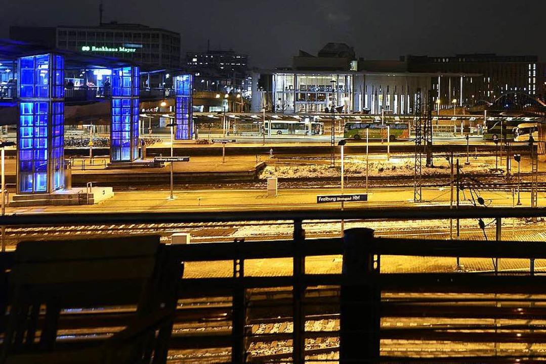 Beim ZOB am Hauptbahnhof passierte der Angriff auf den Zeitungsausträger.  | Foto: Ingo Schneider