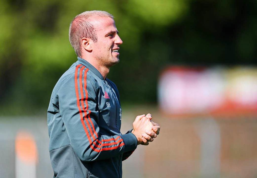 Münchens Trainer Sebastian Hoeneß, Neffe von Uli Hoeneß.  | Foto: Patrick Seeger