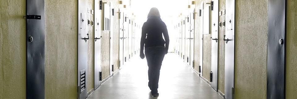 Polizistentochter verbringt Nacht in der Zelle - der Fall wird zum Politikum