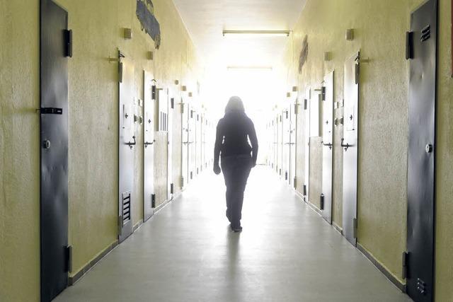 Polizistentochter verbringt Nacht in der Zelle – der Fall wird zum Politikum