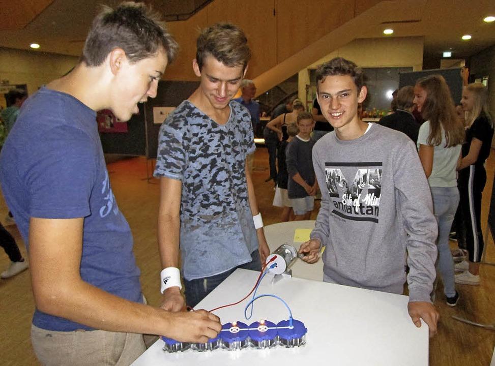 Stromerzeugung mit alternativen Energi...imulierten die Schüler am Aktionstag.   | Foto: OberrHEIN-Gymnasium