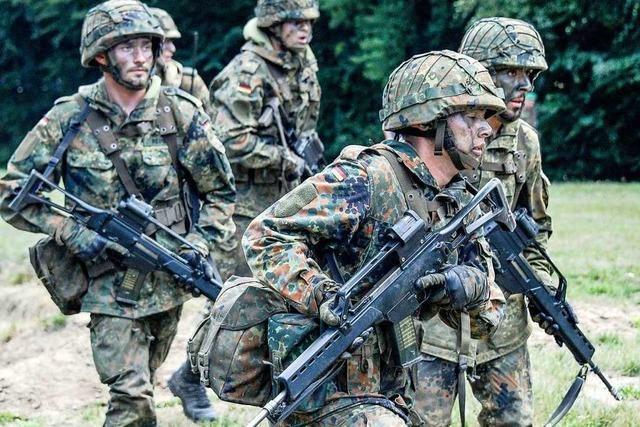 Militärseelsorge zwischen Krieg und Frieden