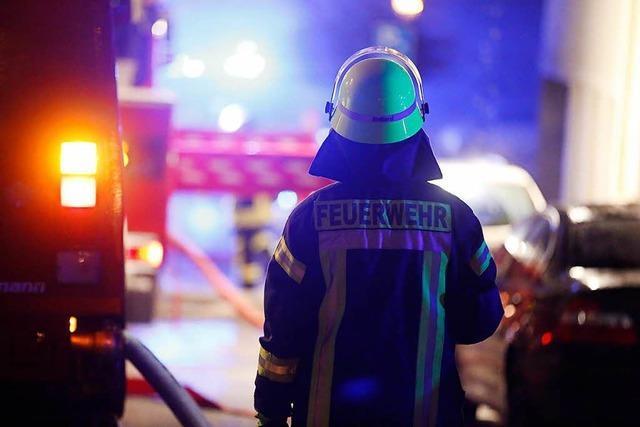 Freiburger Feuerwehr befreit Kinder aus einem Wohnmobil