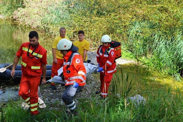 Helferdienste üben in Breisach den Ernstfall