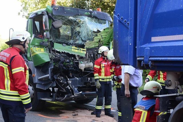 B31 in Freiburg Richtung Schwarzwald nach Unfall wieder geräumt