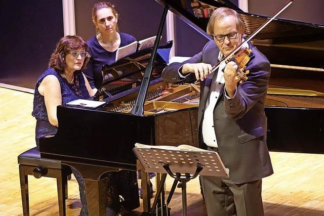 Geige und Piano geben sich Stelldichein