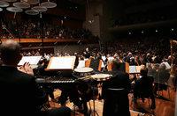Der das Feuer zurückbrachte: Dirigent Teodor Currentzis startet in Freiburg durch