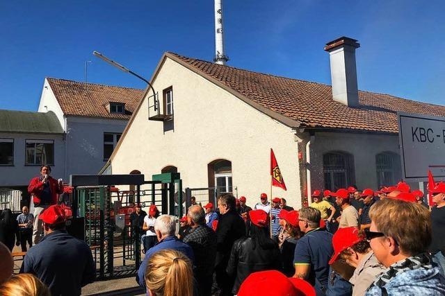 KBC-Mitarbeiter halten öffentliche Betriebsversammlung ab