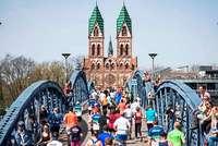 """Bei """"Mein Freiburg Marathon"""" mit BZ-Card 20 Prozent sparen beim Halbmarathon und beim AOK-Gesundheitslauf!"""