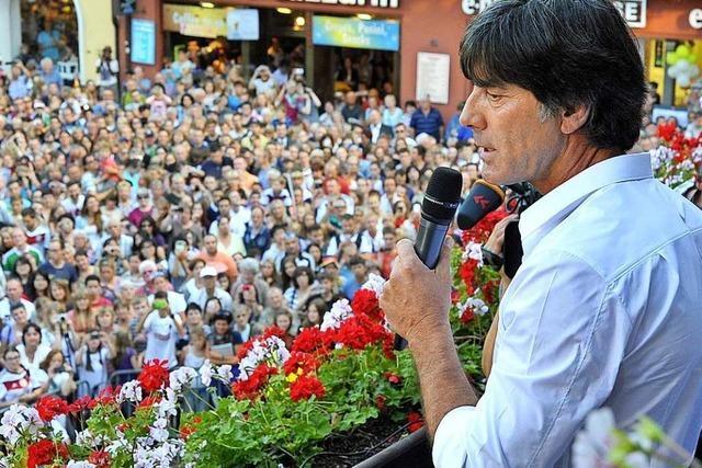Wie 2014: Jogi Löw will seine Neue auf dem Freiburger Rathausbalkon präsentierten