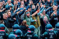Sechs Rechtsextreme aus Chemnitzer Szene wegen Terrorverdachts festgenommen