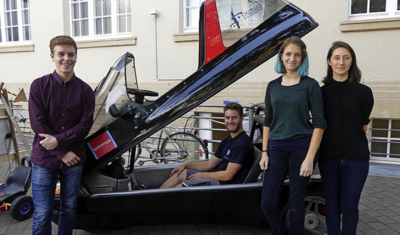 Elektromobilität ist auch ein Thema un...del, Celina Paepke und  Maja Cicvara.   | Foto: Janina Hertel