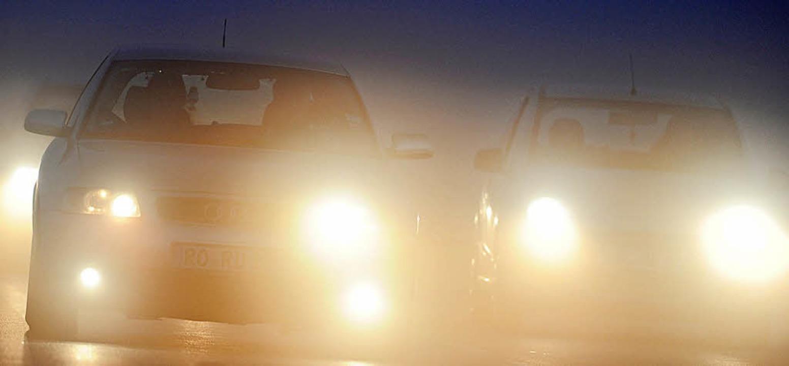 Autolicht ist ein wichtiges Sicherheitsmerkmal.     Foto: dpa