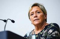 Kulturministerin Eisenmann baut Schulverwaltung um