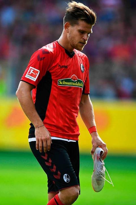 Musste im Spiel gegen Bayer Leverkusen...tz: SC-Angreifer Florian Niederlechner    Foto: dpa/keller