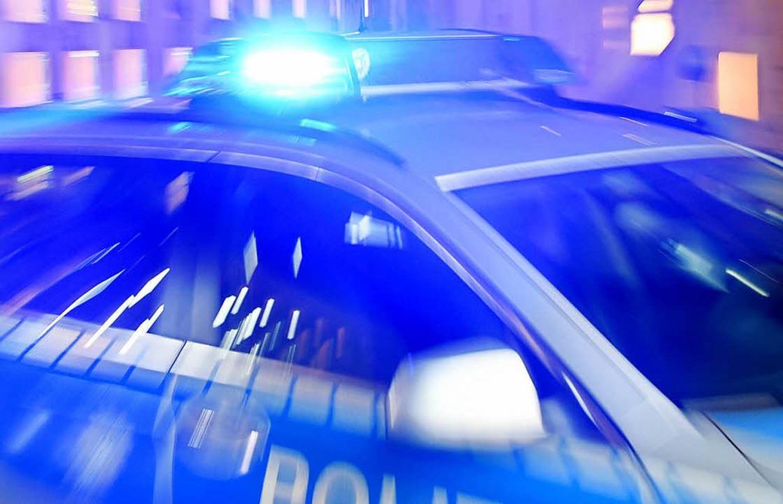 In Waldkirch wurde die Polizei gerufen...Anwohner Knallgeräusche gehört hatten.  | Foto: dpa