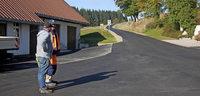 Straße für 70 000 Euro saniert