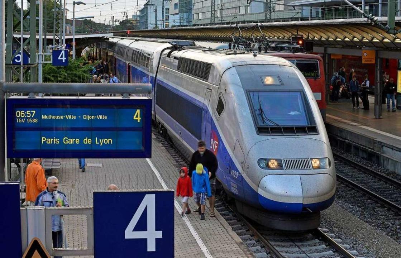 Der TGV – hier auf dem Freiburge... Dezember auch in Lahr einen Halt ein.  | Foto: Michael Bamberger