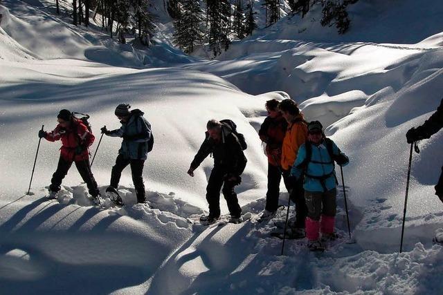 Mit Schneeschuhen durch Tirols Landschaft