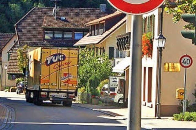 Tempo 40 und Verbot für Lastwagen