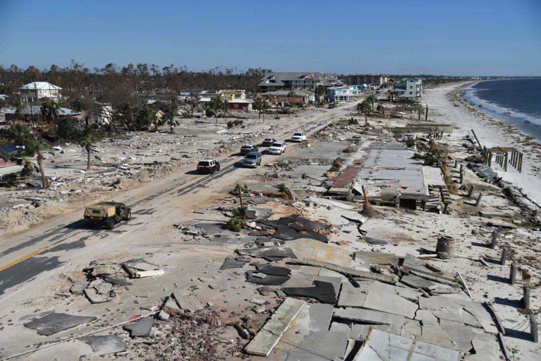 Der zu großen Teilen zerstörte Ort Mex...h im US-Bundesstaat Florida am Freitag  | Foto: AFP