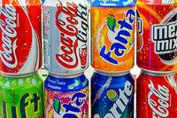 Schmecken Getränke aus der Dose anders als aus der Flasche?