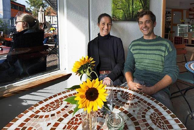 Das Café Joris ist ein sonniger Ort an einem Freiburger Kreativspot