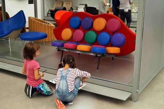 Kinder entdecken bei Vitra in Weil am Rhein Kunst und Design
