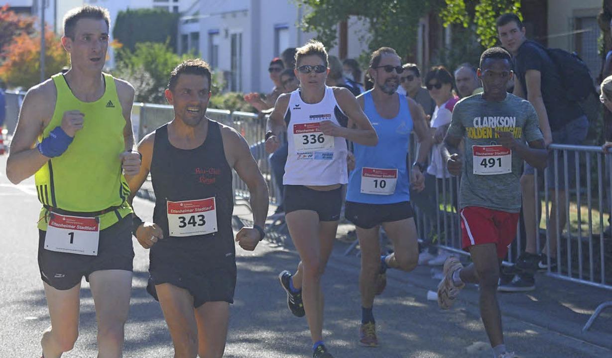 Svenja Abel (Startnummer 336), die Siegerin des Frauenlaufs.      Foto: Fotos: Wolfgang Künstle