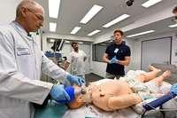 Neues Simulationszentrum in Freiburg: Wenn Medizinstudenten Puppen operieren