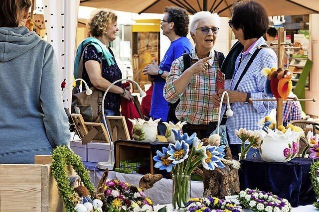 Tausende in Bummellaune beim Kunsthandwerkermarkt in Waldkirch