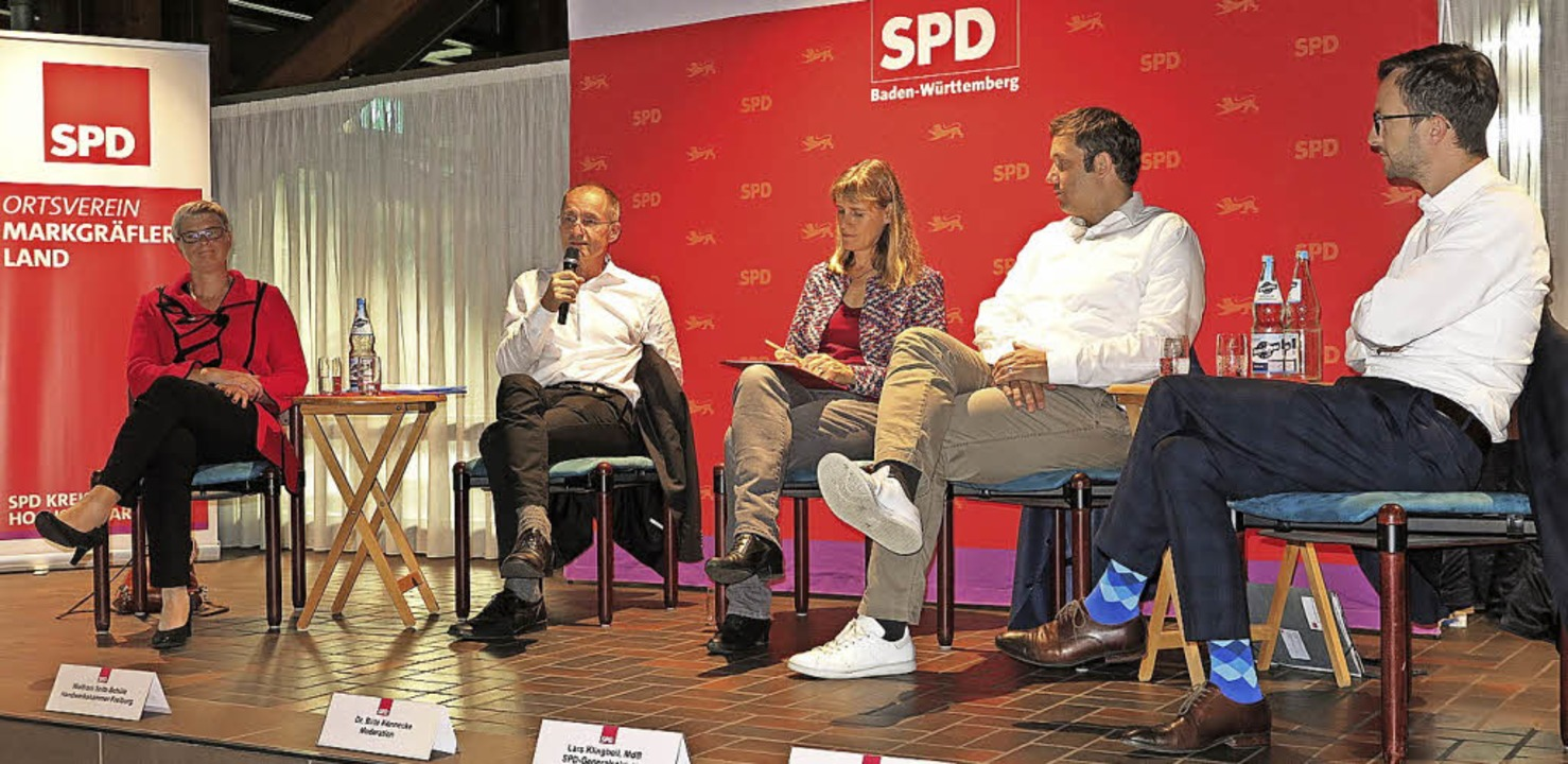 In Müllheim diskutierten (von links) S...cke, Lars Klingbeil und Tobias Fuchs.   | Foto: Dorothee Philipp